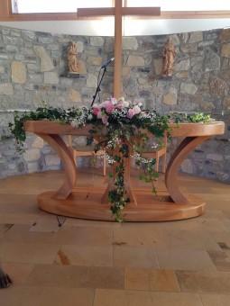 Arrangement autel église