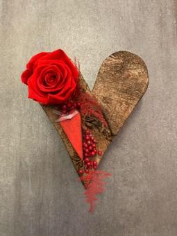 Coeur avec rose stablisée