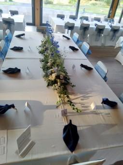 Arrangement de table long